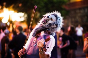 'Violin Monster' to perform Dec. 8 as part of 'Faces of the 99 %' photography show