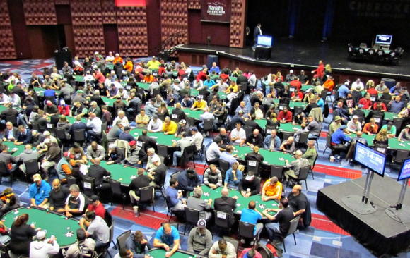 Thousands descend up on Harrah's Cherokee to play poker
