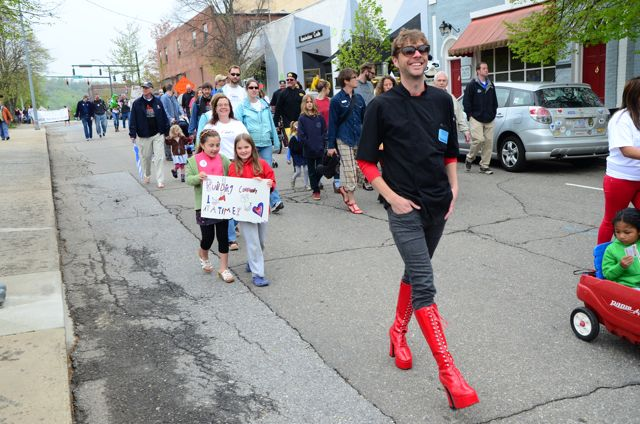 Photos: Walk A Mile In Her Shoes 2013