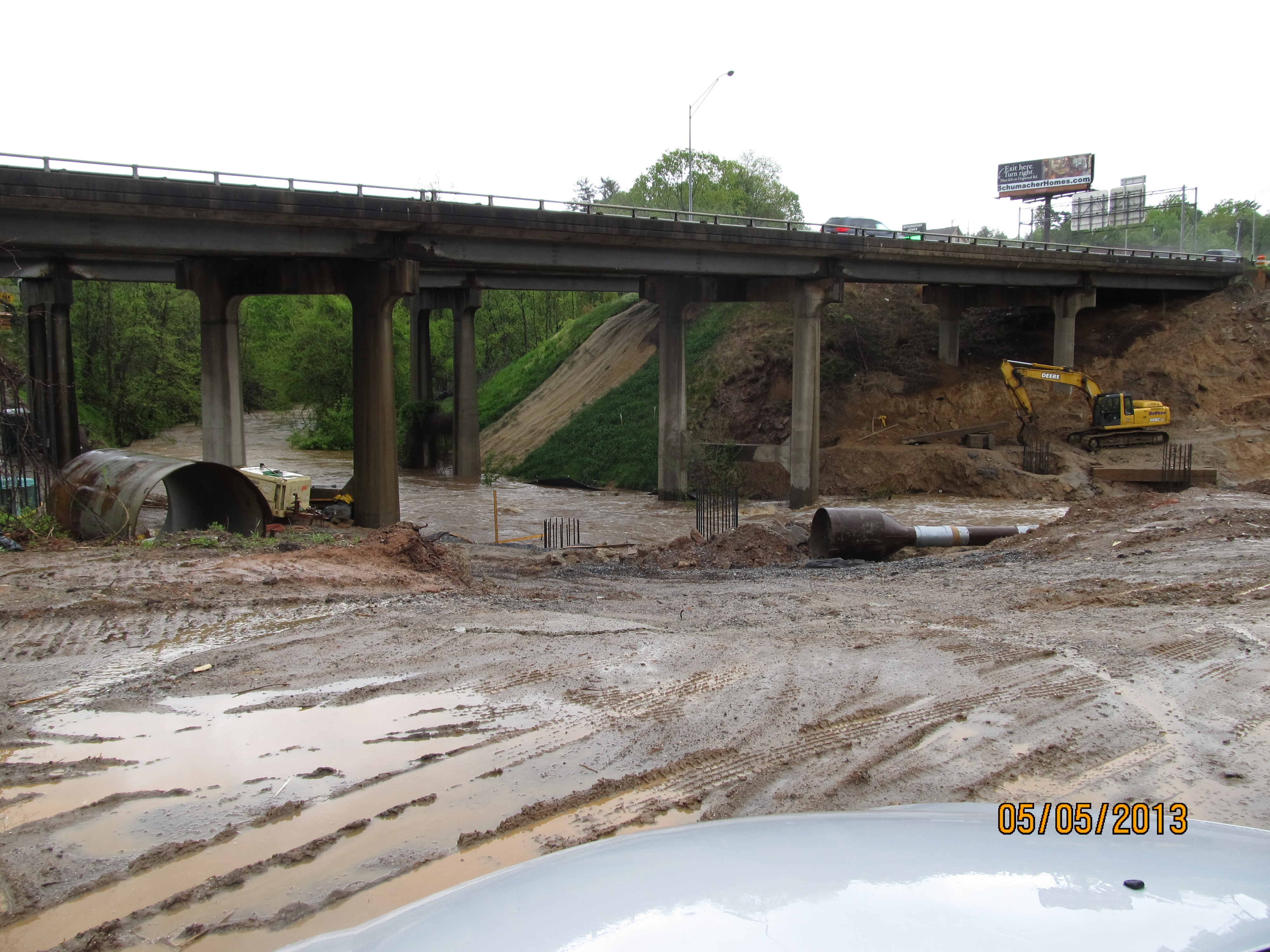 Ashvegas reader: Horrendous run-off from construction project into French Broad