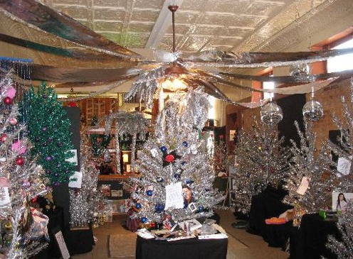 O shiny tannenbaum! Brevard's aluminum Christmas tree museum is back