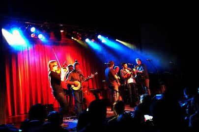 Review: A night of virtuosity with the Steep Canyon Rangers