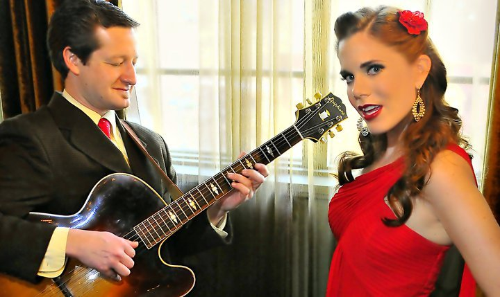 Asheville jazz duo offer singing telegrams for Valentine's Day