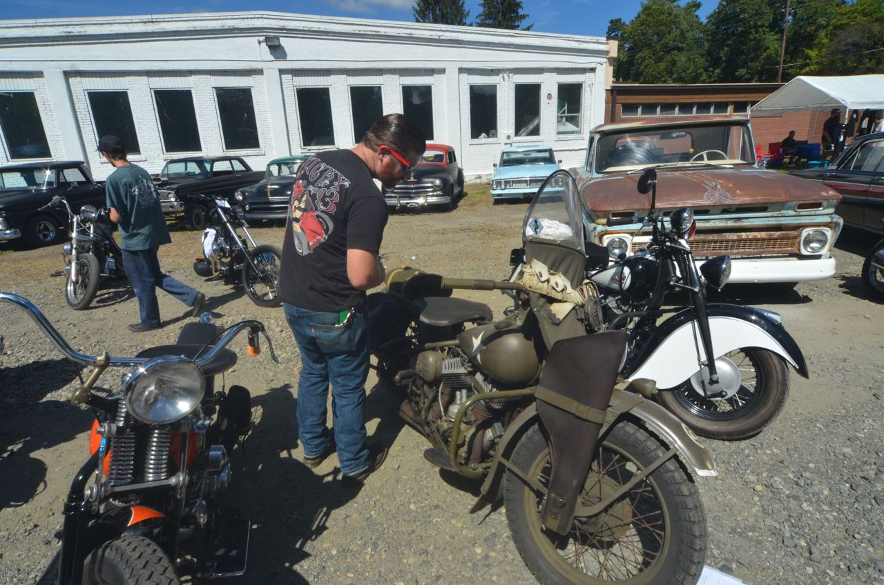 PHOTOS Hellbilly Hootenanny 2014: Bikes, rat-rods, pin-ups, greasers, more
