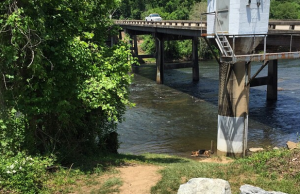 french_broad_river_access_2_asheville_adventure_rentals_2015