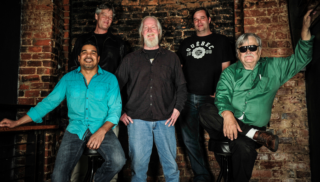 Col. Bruce Hampton and the Aquarium Rescue Unit/ Photo by Andy Tennile